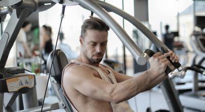健身房機械式訓練