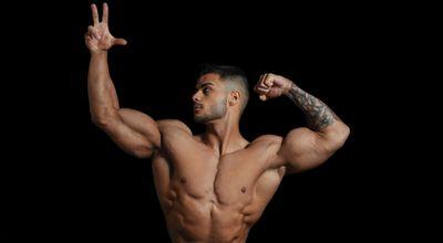 二頭肌肉展示